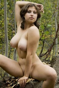 Model Mia in